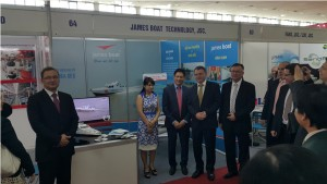 The Minister of Foreign Affairs of the Czech Republic visit the booth of James Boat Technology JSC