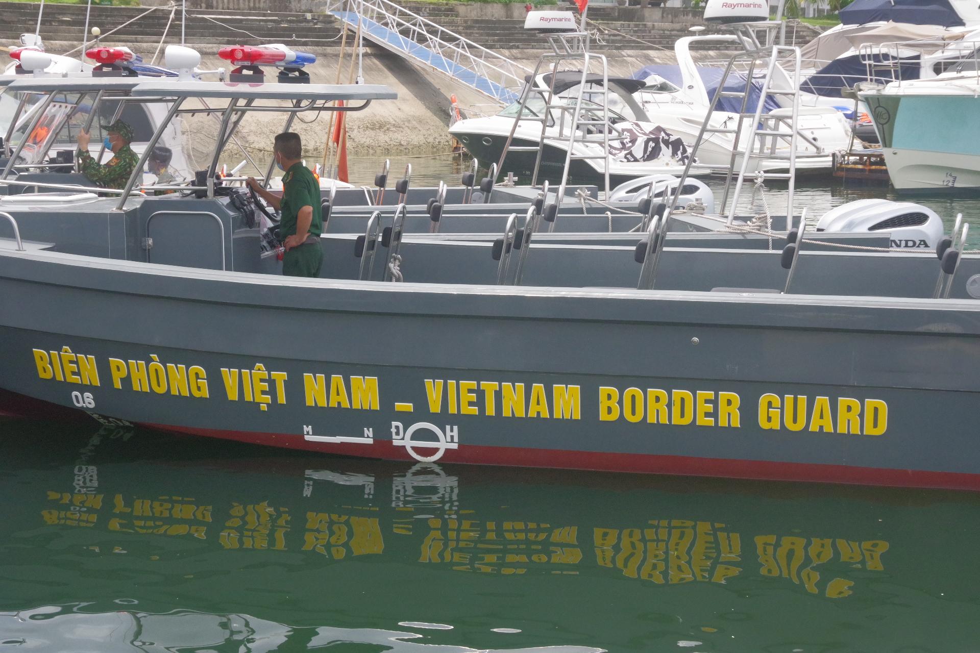 Bàn giao 04 tàu tuần tra RIB 35 cho Bộ chỉ huy Bộ Đội Biên Phòng tỉnh Quảng Ninh.