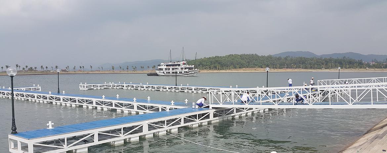 Bến cập du thuyền bằng PPC